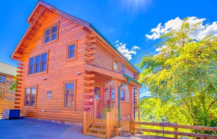 Romantic Cabin with Amazing Panoramic Views! - Sevierville - Zomerhuis/Cottage