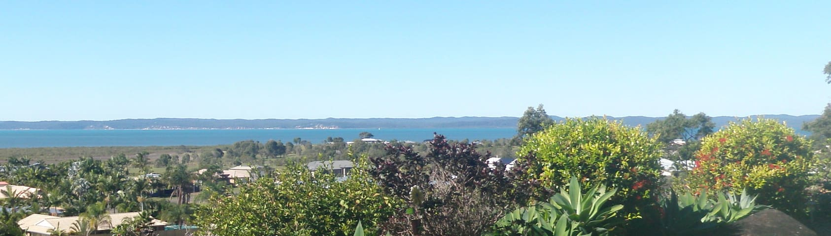 Hilltop Cottage with Panoramic Views of Fraser Is - Hervey Bay