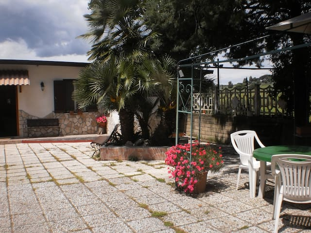 Mare e campagna  oasi vicino Roma - pomezia - Villa