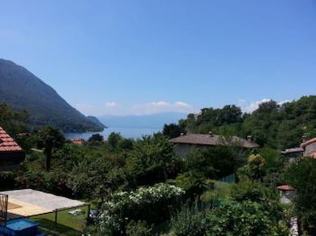 Lago Maggiore Castello - Castelveccana, Ortsteil Castello - 一軒家