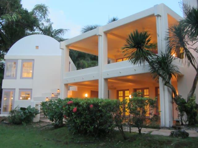 Executive Resort Home - Santa Rita - Talo