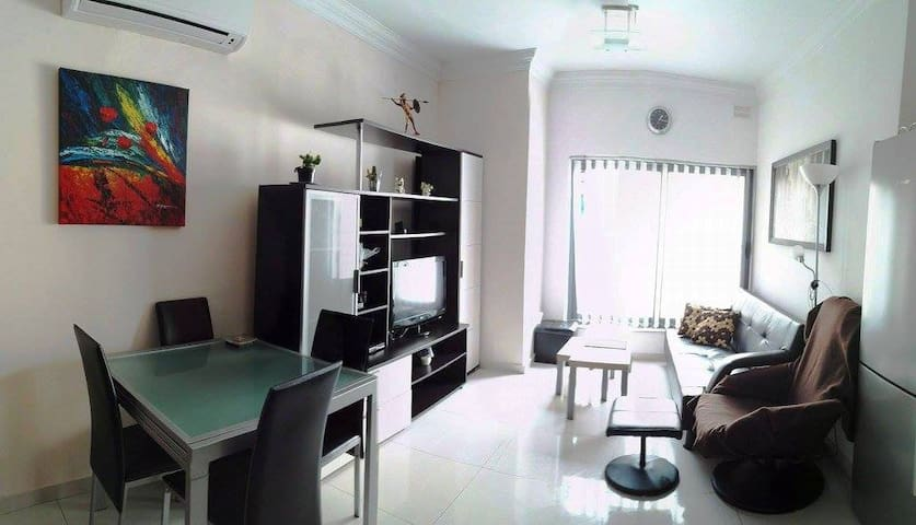 Cosy and spacious 2 bedroom apartment in Gzira - Il-Gżira - Lägenhet