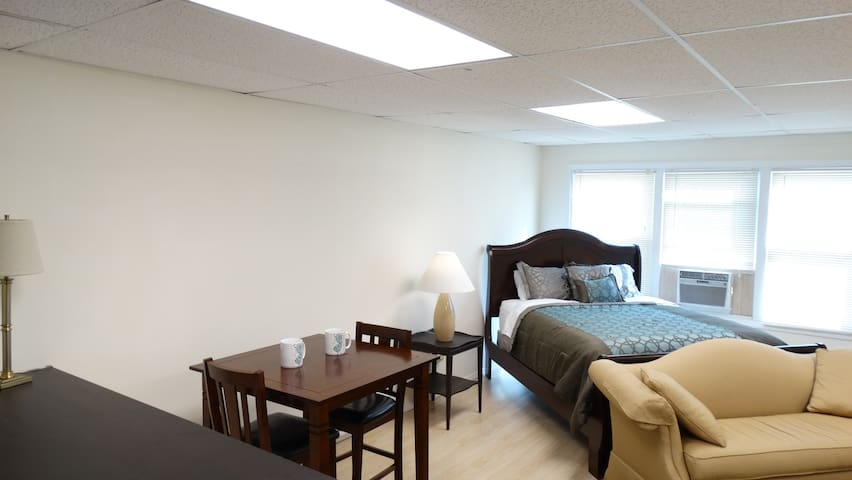 2 Block from Private beach and 1m from Sandy Hook - Highlands - Appartement