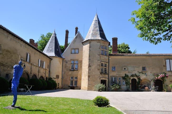 The Commandery, Bretonnière Castle - Mureils - Departamento
