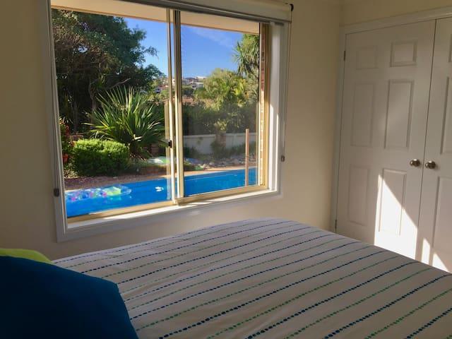 Quiet, Peaceful Retreat Near Beach & Golf Courses - Port Macquarie - Casa