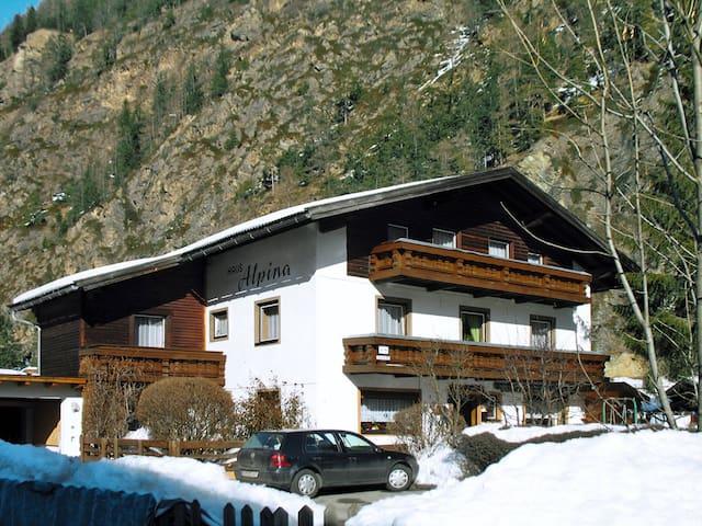 Haus Alpina - Längenfeld - Lejlighed