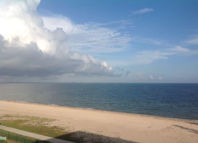 Beautiful North Beach Condo with Ocean/Beach views - Corpus Christi - Ortak mülk