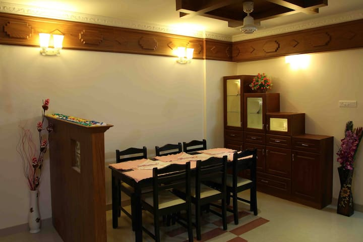 One Bed Room Fully Furnished Apartments - Nedumbassery - Lägenhet