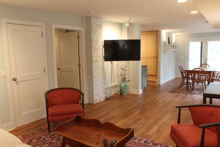 Bright Apartment - Perfect Five Points Location! - Athens - Appartement
