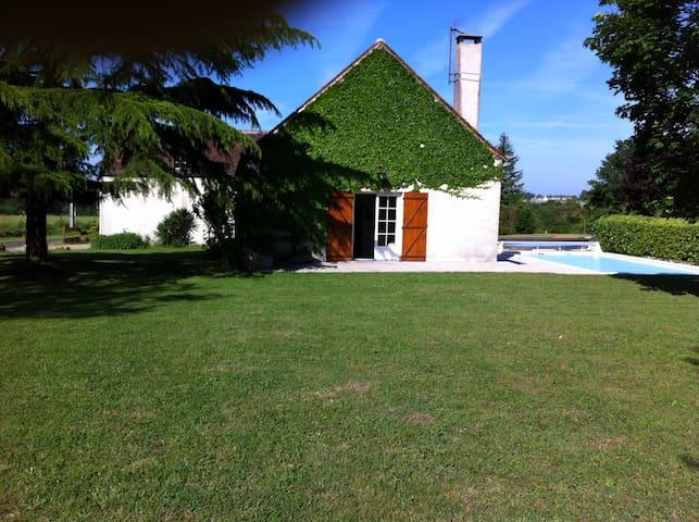 Grande longère rénovée avec piscine - Villedieu-le-Château - 獨棟