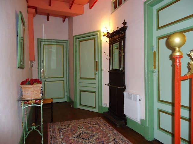 Appart dans un chateau - Grézet-Cavagnan - Kasteel