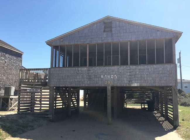 Sun, surf, and the SANDS Cottage - Buxton - Huis