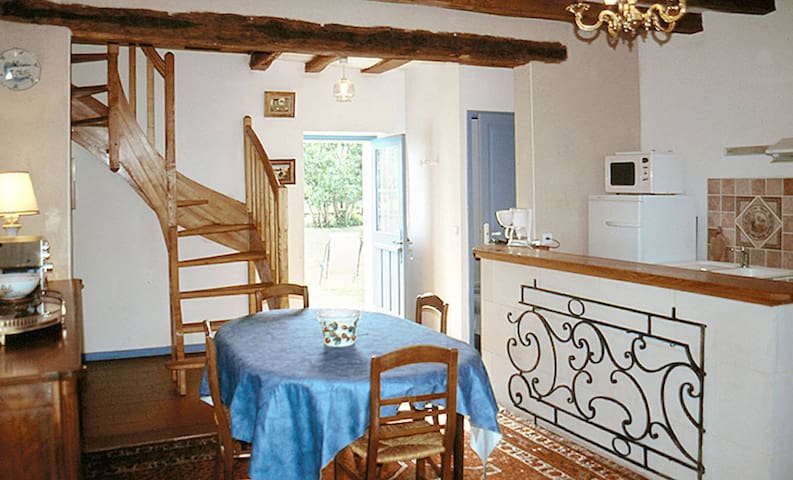 Holiday home in Huismes - Huismes - Hus