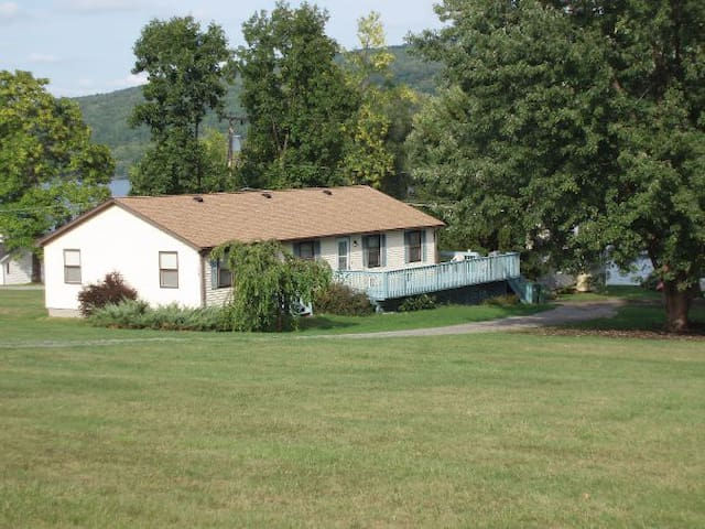 Field House - Honeoye Lake Rentals - Honeoye