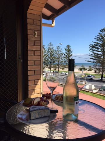 Apartment by the Sea at Semaphore - Semaphore South - Leilighet