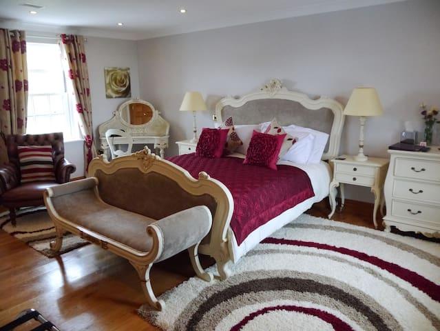 5 Star Gold Luxury Cranmore Room - Somerset - Bed & Breakfast