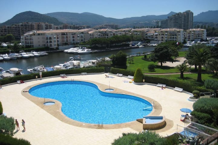 Petit 2p à 5 min des plages et 10min de Cannes - Mandelieu-la-Napoule - Apartemen