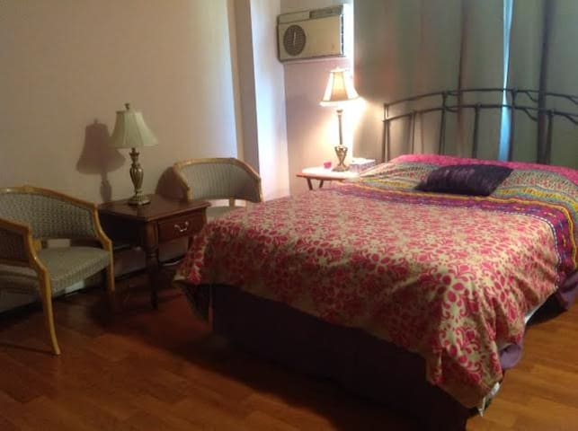 Special 2 br available in my Condo. - Lombard - Appartement