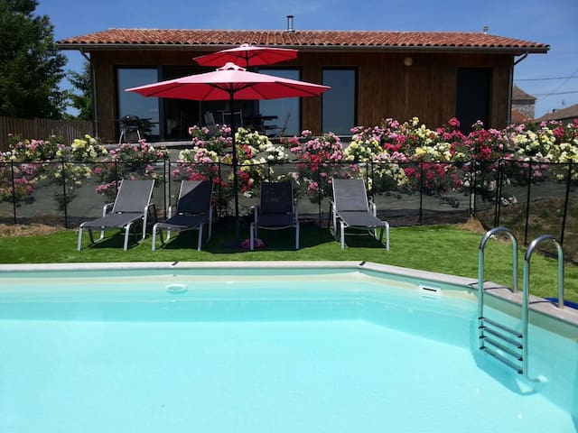 Moderne jacuzzi piscine privée 2ch - Ribagnac