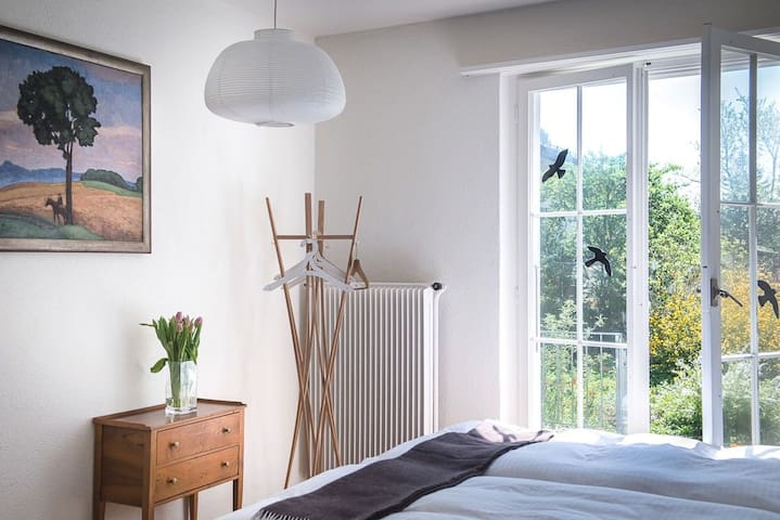 """Terrassenzimmer im """"au jardin"""" - Zuchwil - Bed & Breakfast"""