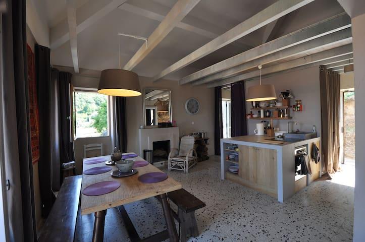 appartement dans maison de village - Argiusta-Moriccio - Apartemen