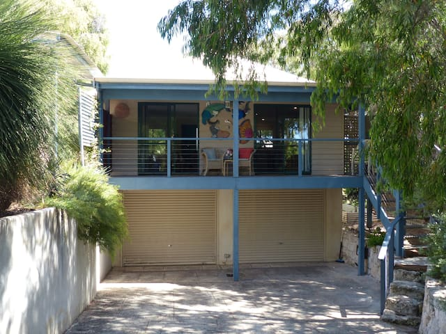 Prevelly Guest House - Prevelly