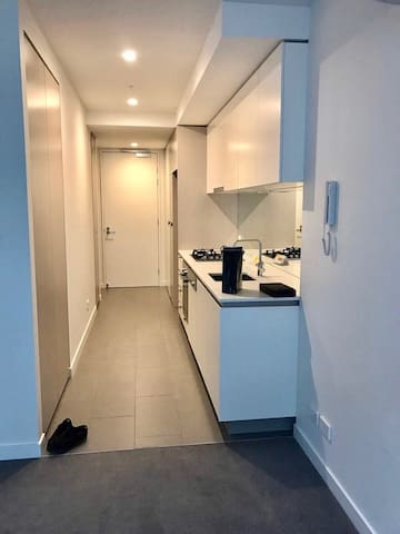 One Bedroom Apartment in Box Hill - Box Hill - Leilighet