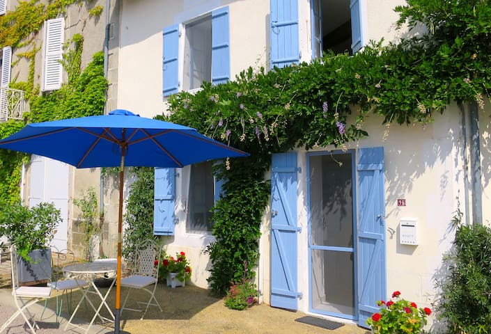 Gorgeous cottage in French village - Vayres - Huis