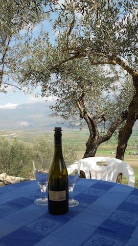 Nature, Culture, Gastronomy and amazing views. - Capestrano
