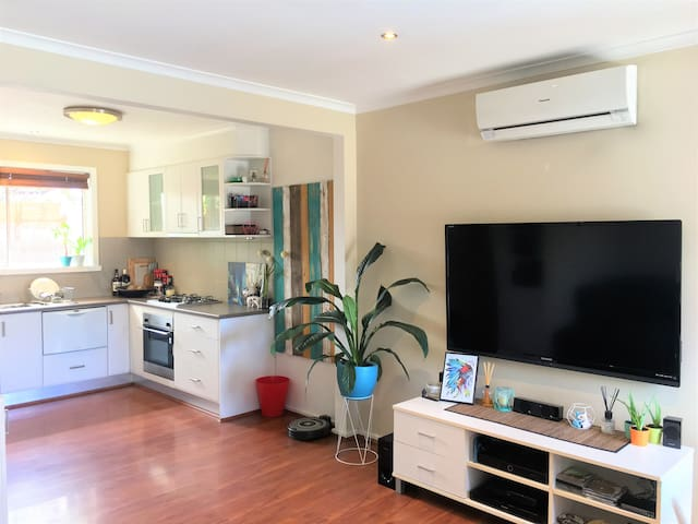 Mi casa es tu casa!  Make yourself at home. - Footscray - Villa