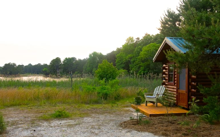 Tiny Lakefront Cabin on Secluded 32 Acre Estate! - Cape May Court House - Kisház