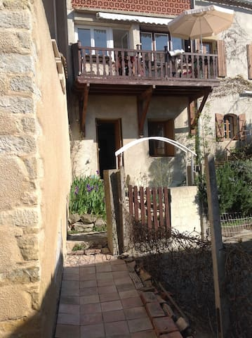 Beautiful village house Carcassonne - La Force - Haus
