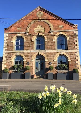 Stunning converted methodist chapel - Upwell Village - Rumah