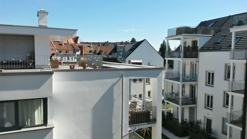 Nice and centrally located rooftop apartment - Konstanz - Apartamento