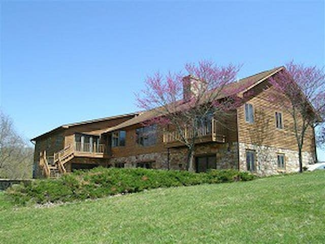 Shenandoah River Lodge - Woodstock - Casa
