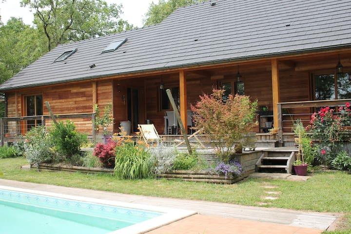 Maison au calme à 2min de Brive-La-Gaillarde - Malemort-sur-Corrèze - Casa