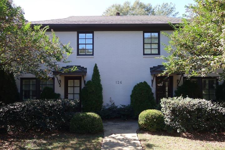 Elegant Edgewood Condo (Homewood) - Homewood - Appartement en résidence