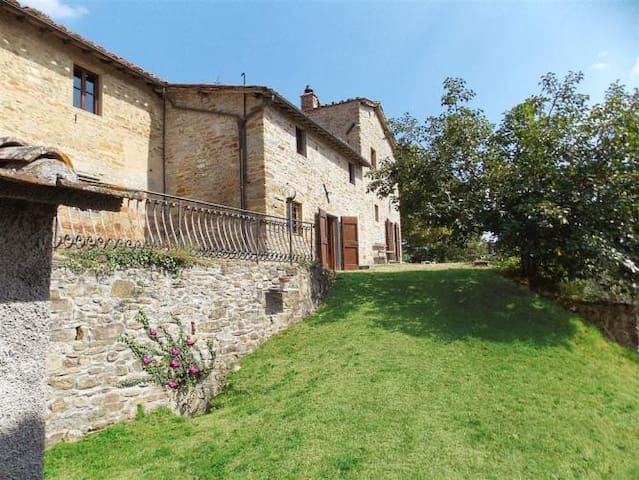 Charming restored watch tower with pool and view - Borgo San Lorenzo - Casa
