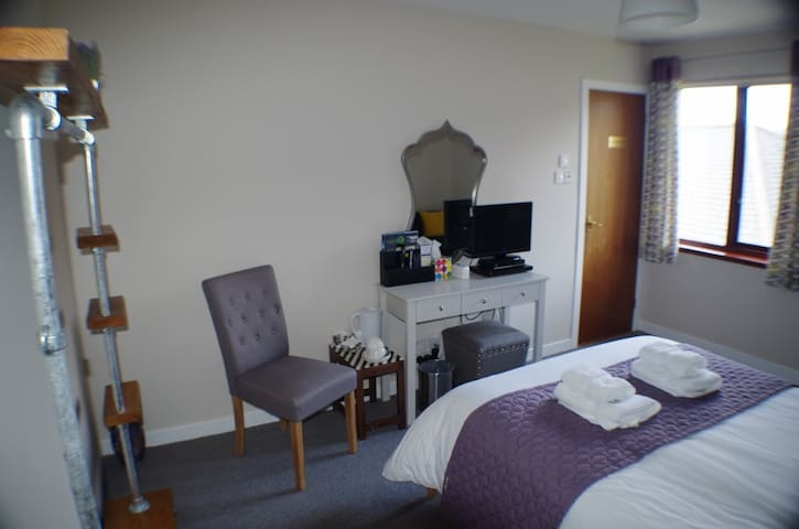 Strathassynt Guest House B&B double rm ensuite - Glencoe - Bed & Breakfast