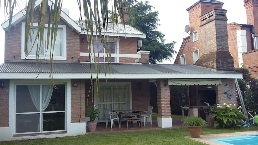 Excelente Casa en Country Club Banco Provincia - Francisco Alvarez - Maison de vacances