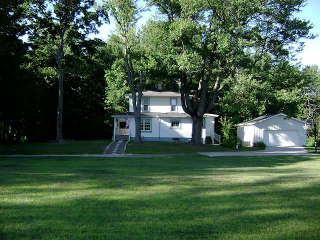 Wonderful Weekend in SW Michigan's Wine Country - Buchanan - Casa