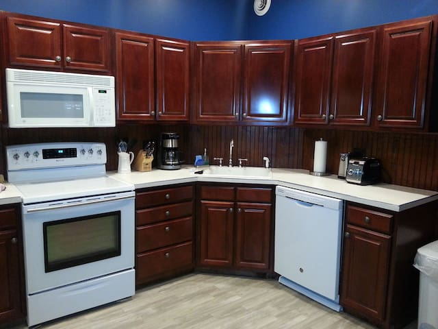 Exec Stay Furnished Apt 2FL, Downtown Norwich NY - Norwich - Daire