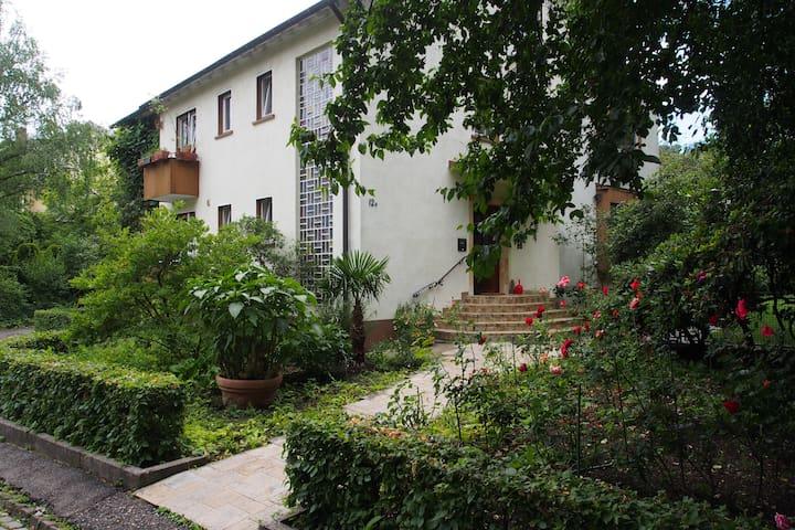 Room, bathroom, WC, car parking - Freiburg im Breisgau - Rumah