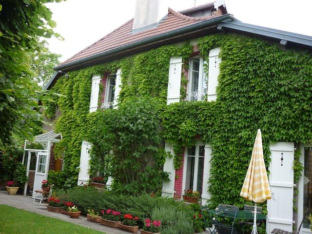 maison ancienne rénovée - Châtillon-le-Duc - Huis