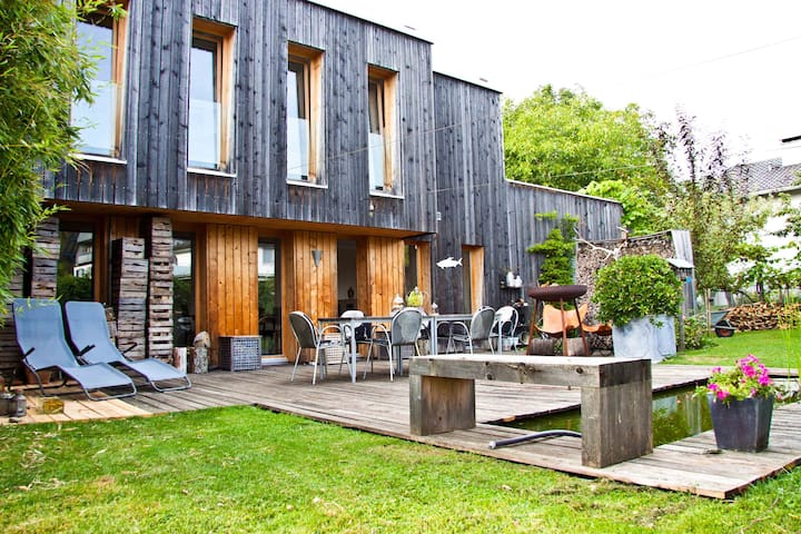 cozy house with picturesque garden - Hörbranz - Casa