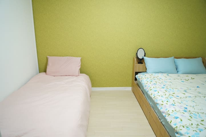 WGH in DOTONBORI 4mins to station!Convenient!ROOM3 - Naniwa Ward, Osaka - Bed & Breakfast