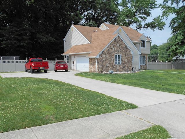 Spacious home, Excellent location!! - Pennsville Township