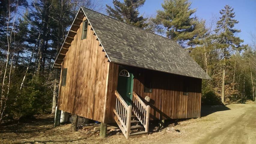 Tibbetts Mountain Solar Cabin - Brownfield - Cabane