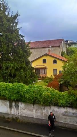 chalet con giardino vicinissimo al fiume - Cassano d'Adda - Huis