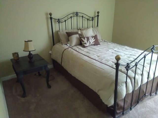 cozy bedroom/bath near athens with LYFT Driver - Carlton - Rumah